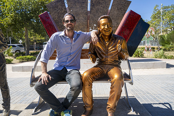 Swiss guy sited nest to Diomedes Diaz sculpture in Valledupar Colombia
